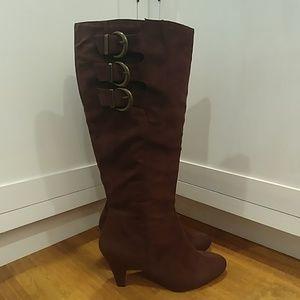 NWOT BELLA VITA Knee High Brown Suede Heeled Boots